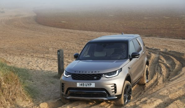NEW LANDROVER DISCOVERY IS A TRULY VERSATILE FAMILY SUV