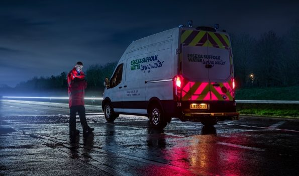 FORD IMPROVES ROADSIDE WORKER SAFETY WITH ILLUMINATED VAN PANELS