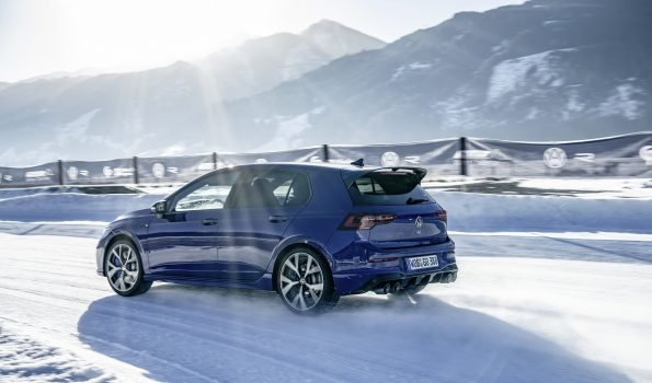 NEW VW GOLF R BOASTS SOME IMPRESSIVE STATS